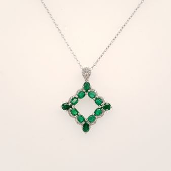 Picture of Diamond Emerald Pendant